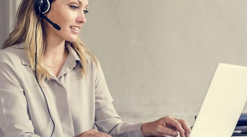 Caucasian call center woman help desk service